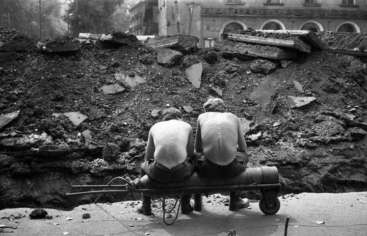 """Непарадные фотографии """"Великого и Могучего"""" от Владимира Соколаева (62)"""