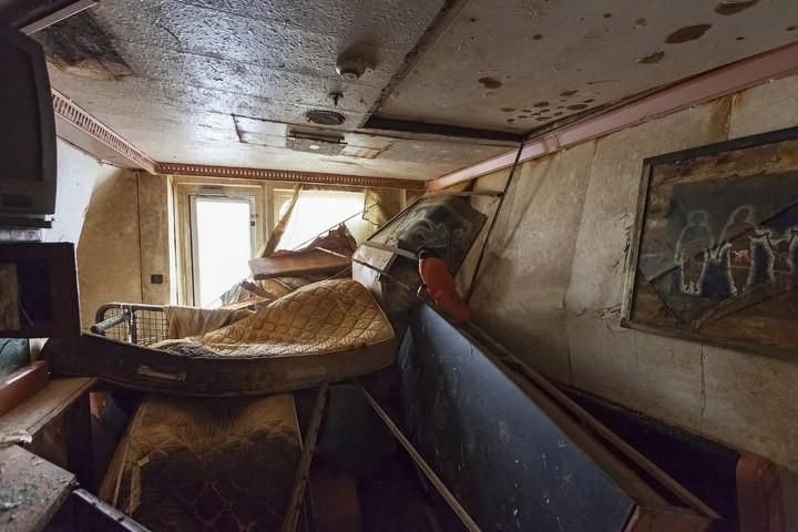 Лайнер Costa Concordia после крушения (11)