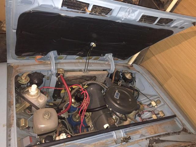 Новая шестерка ВАЗ-2106, простоявшая 25 лет в гараже (10)