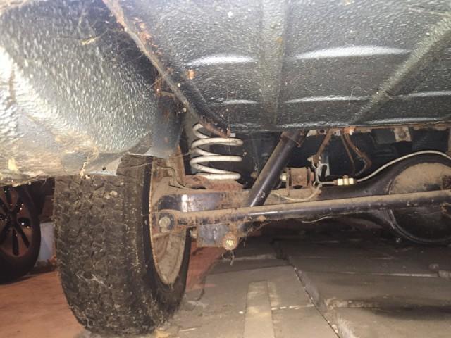 Новая шестерка ВАЗ-2106, простоявшая 25 лет в гараже (13)