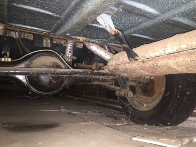 Новая шестерка ВАЗ-2106, простоявшая 25 лет в гараже (14)