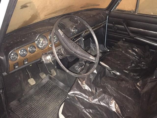 Новая шестерка ВАЗ-2106, простоявшая 25 лет в гараже (15)