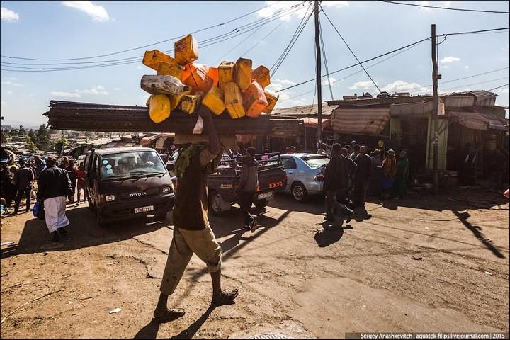 Африканский рынок отбросов (24)