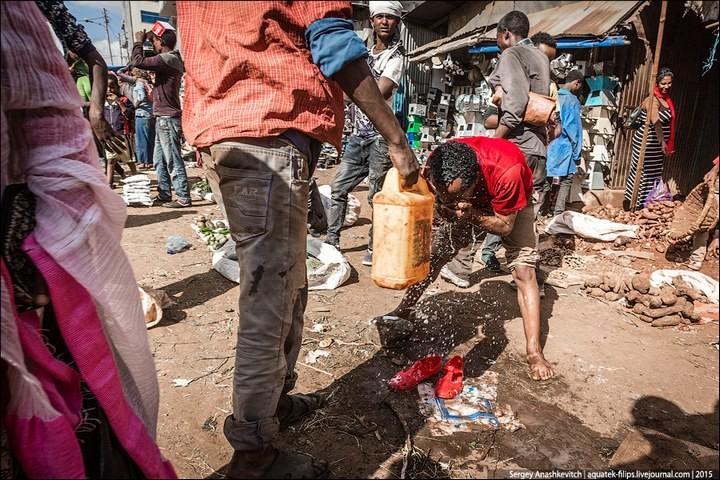 Африканский рынок отбросов (30)