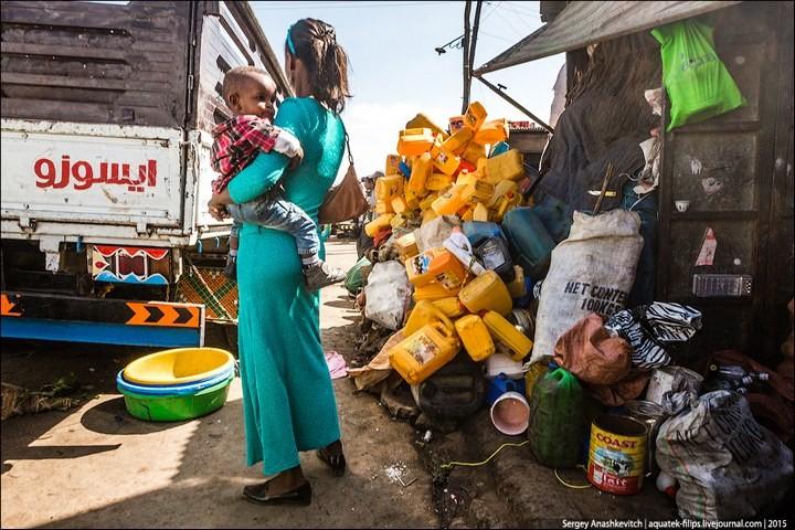 Африканский рынок отбросов (35)