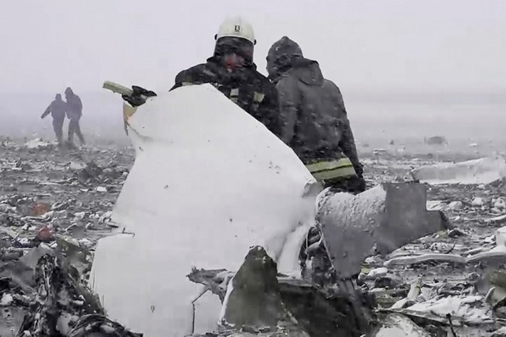 Фотографии с места крушения Boeing 737 в Ростове-на-Дону (2)