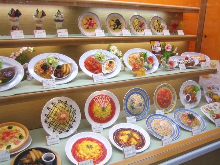 Искусственные блюда на витринах общепита в Японии (3)
