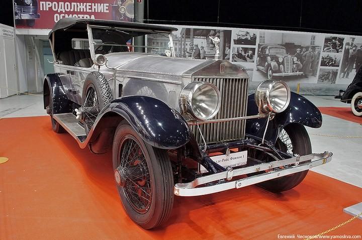 Выставка автомобилей Гаража особого назначения (4)
