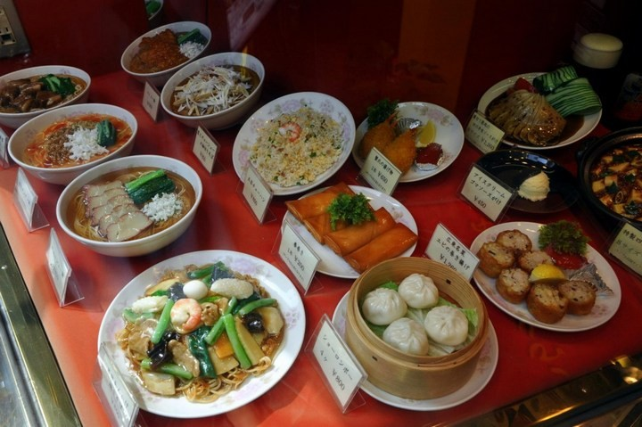 Искусственные блюда на витринах общепита в Японии (4)