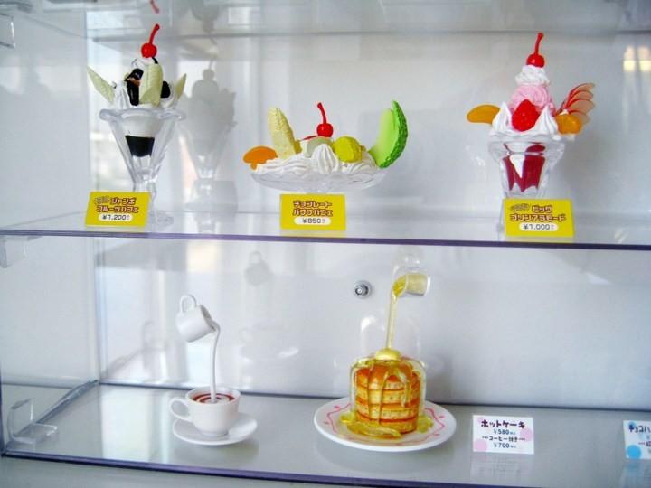 Искусственные блюда на витринах общепита в Японии (5)
