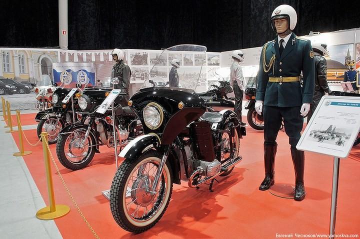Выставка автомобилей Гаража особого назначения (14)