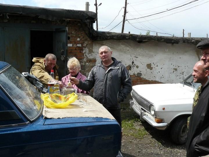 Как спасали автомобили из затопленных гаражей (22)