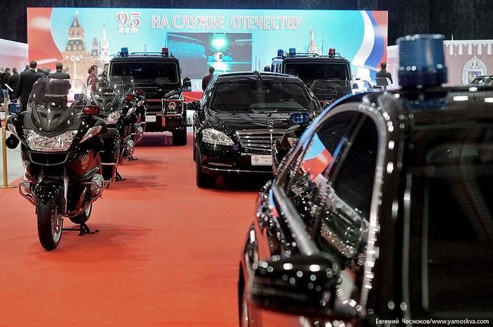 Выставка автомобилей Гаража особого назначения (29)
