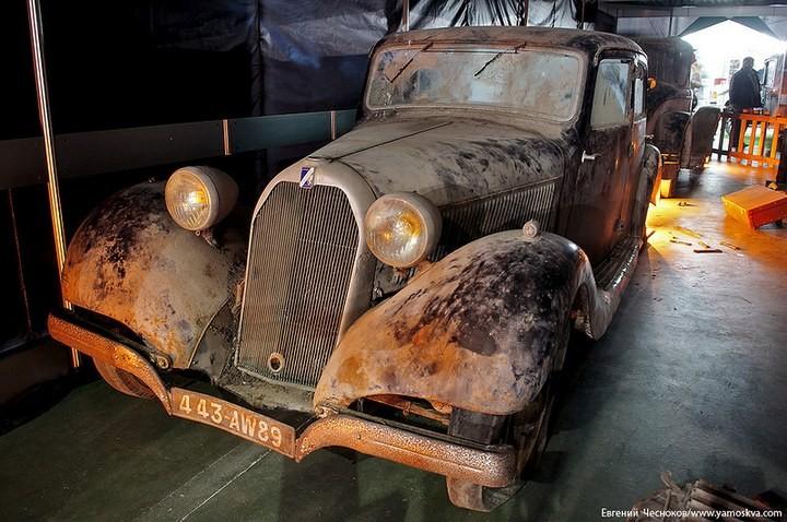 Выставка автомобилей Гаража особого назначения (36)