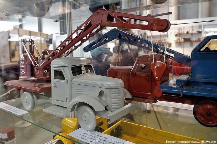 Выставка автомобилей Гаража особого назначения (38)