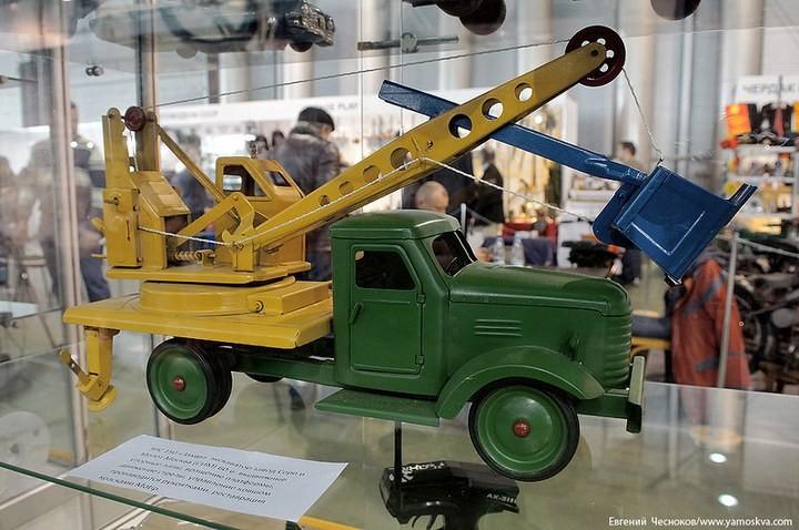 Выставка автомобилей Гаража особого назначения (39)