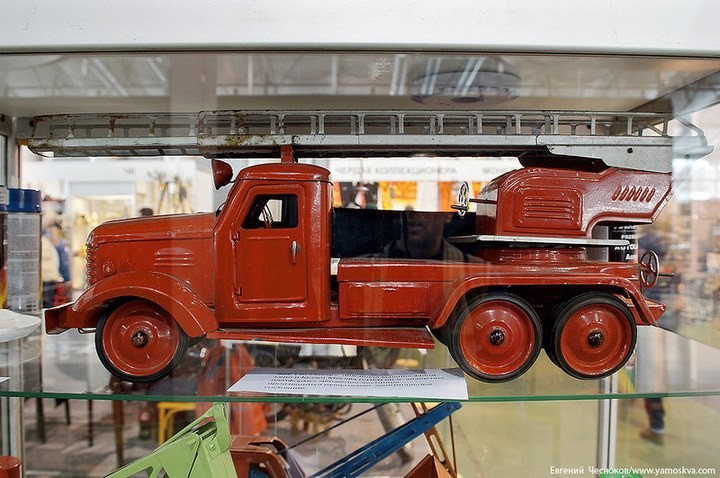 Выставка автомобилей Гаража особого назначения (40)
