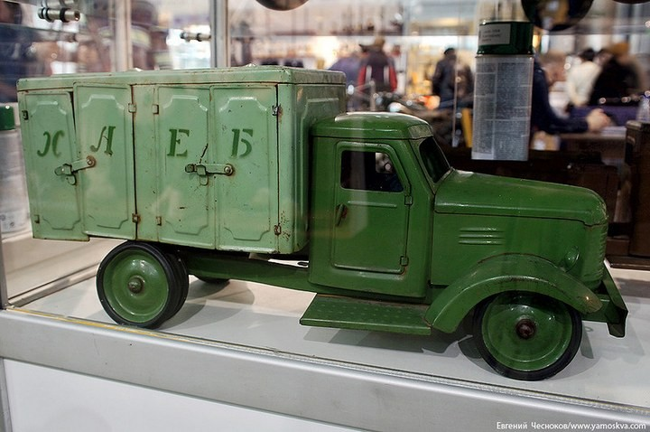 Выставка автомобилей Гаража особого назначения (41)