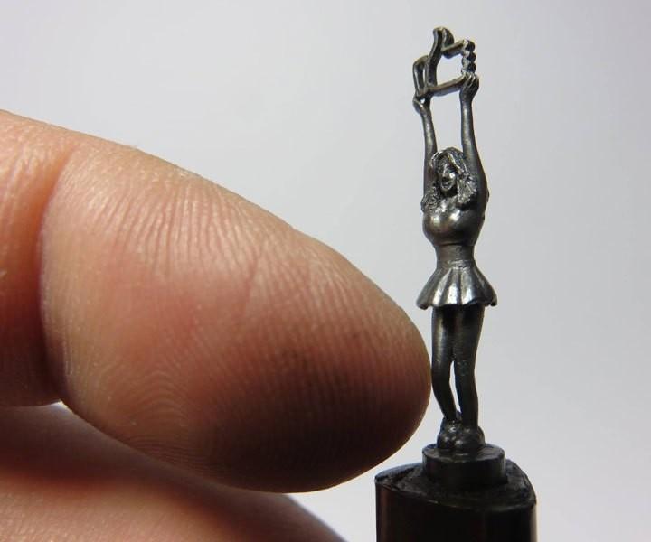 Алфавит на стержне карандаша (8)