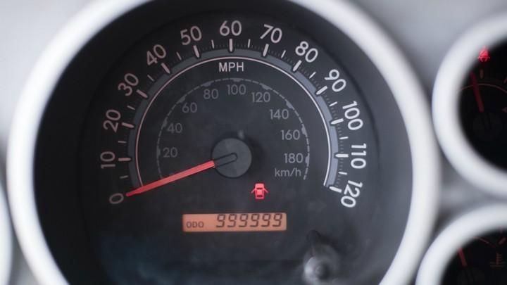 Американец проехал миллион миль на Toyota и получил за это новый автомобиль (3)