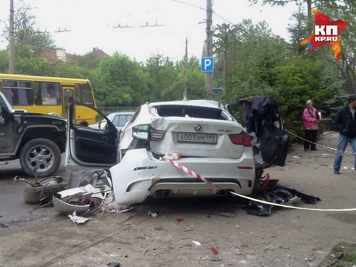 Жуткая авария в центре Симферополя с участием BMW X6M (2)