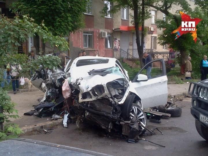 Жуткая авария в центре Симферополя с участием BMW X6M (4)