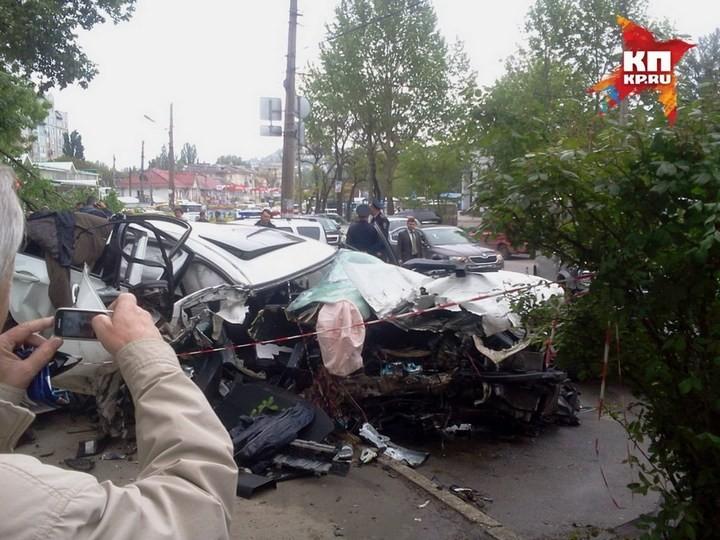 Жуткая авария в центре Симферополя с участием BMW X6M (7)
