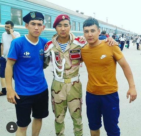 Казахский дембель возвращается домой (1)