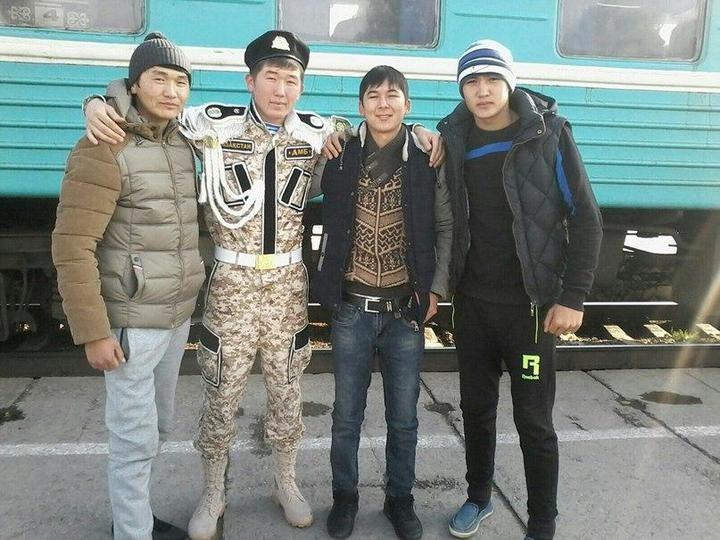 Казахский дембель возвращается домой (13)