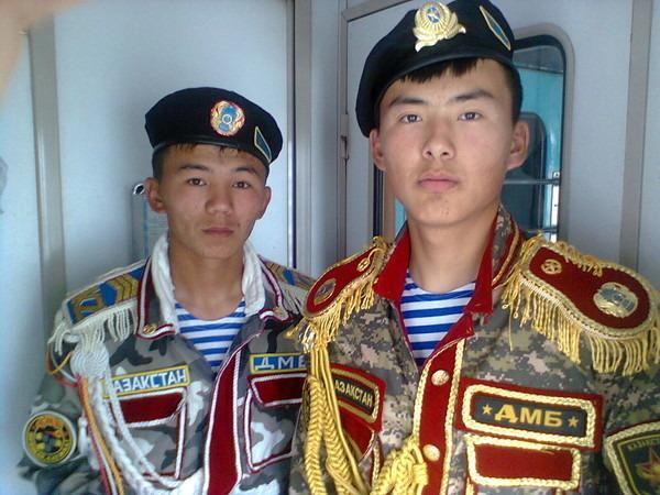 Казахский дембель возвращается домой (16)