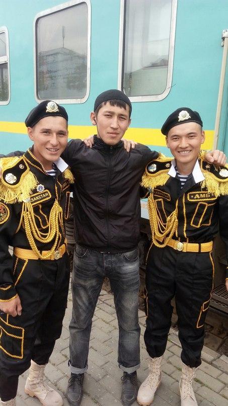 Казахский дембель возвращается домой (2)