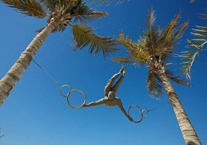 Скульптуры, бросающие вызов законам гравитации (2)
