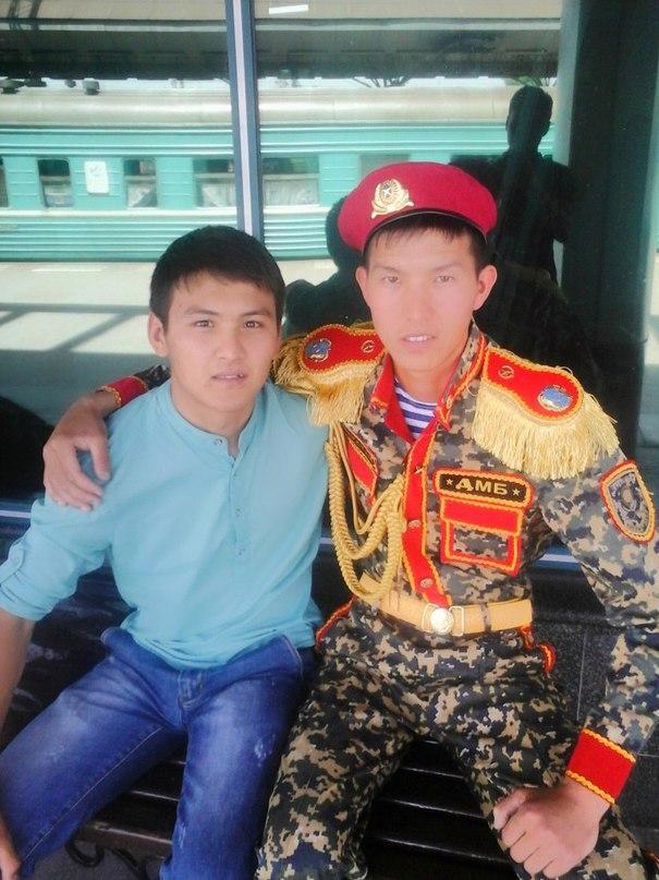 Казахский дембель возвращается домой (3)