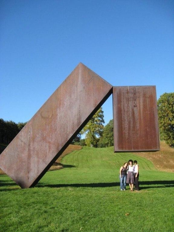 Скульптуры, бросающие вызов законам гравитации (3)