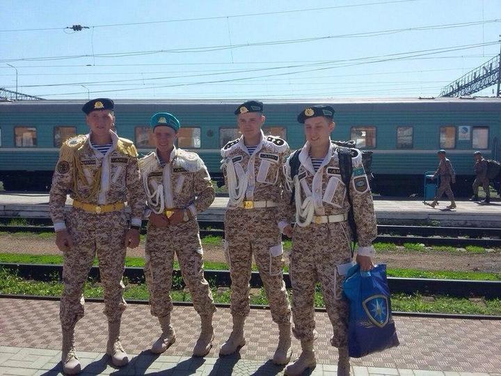 Казахский дембель возвращается домой (4)