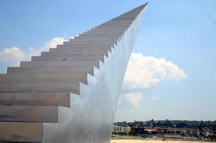 Скульптуры, бросающие вызов законам гравитации (4)