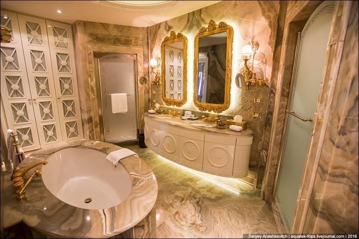Полмиллиона рублей за номер в отеле (9)