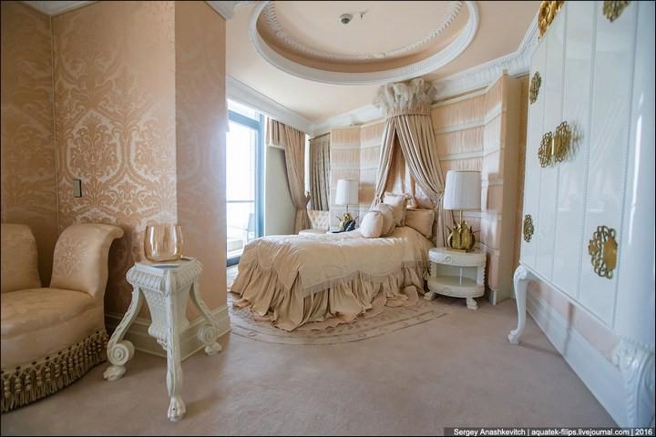 Полмиллиона рублей за номер в отеле (12)