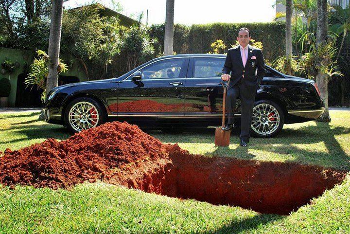 Миллионер Sparks Uproar хочет что-бы его похоронили вместе с его любимым Bentley (1)