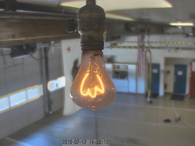 Лампочка на пожарной станции в Ливерморе (Калифорния) производства Shelby Electric (3)