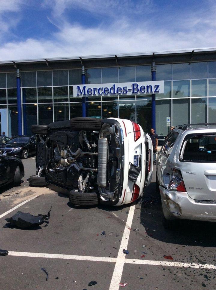 Как разбить новенький Mercedes за одну минуту (2)