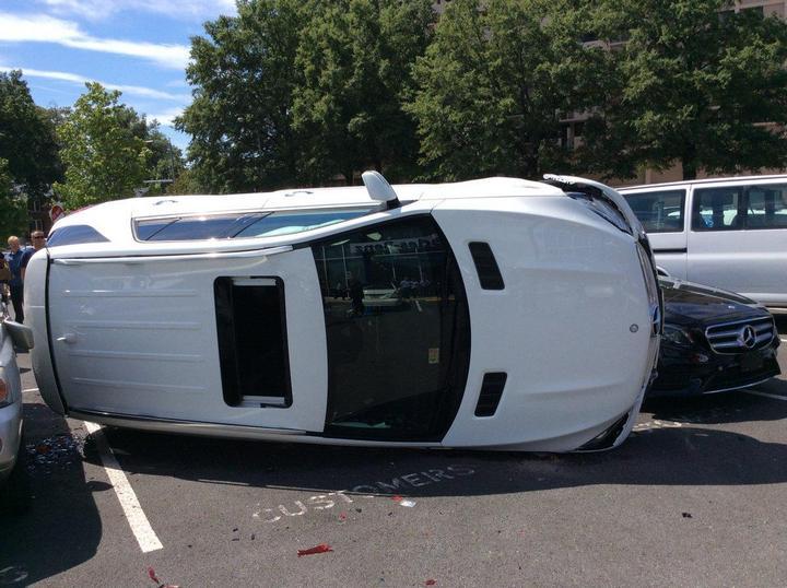 Как разбить новенький Mercedes за одну минуту (3)