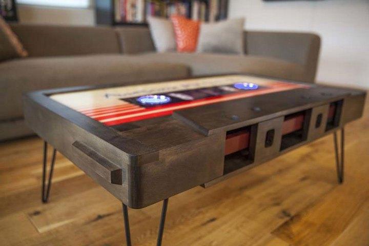 Креативные столы в форме аудиокассет (3)