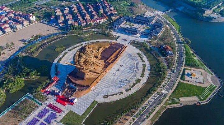 Гигантская статуя Гуань Юй в Китае (4)