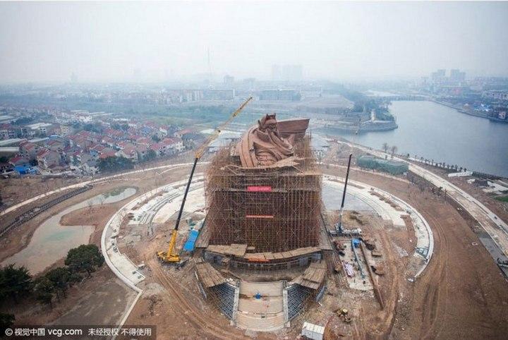 Гигантская статуя Гуань Юй в Китае (8)