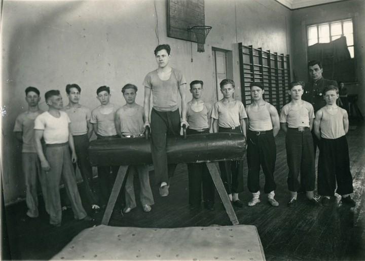 Спорт в послевоенной России. Гимнастика (2)