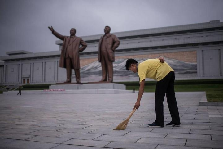Кадры из повседневной жизни в Северной Корее (9)