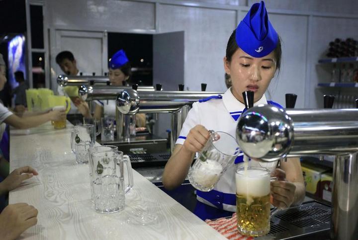 Кадры из повседневной жизни в Северной Корее (3)