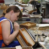 Как делают гармони и баяны в Туле… (52 фото)