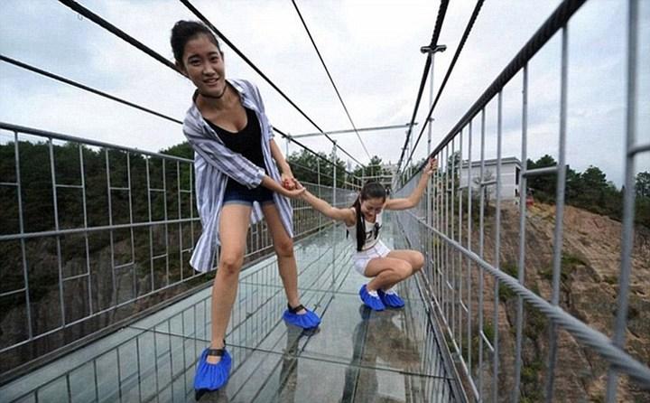 Новый стеклянный мост над бездной (10)